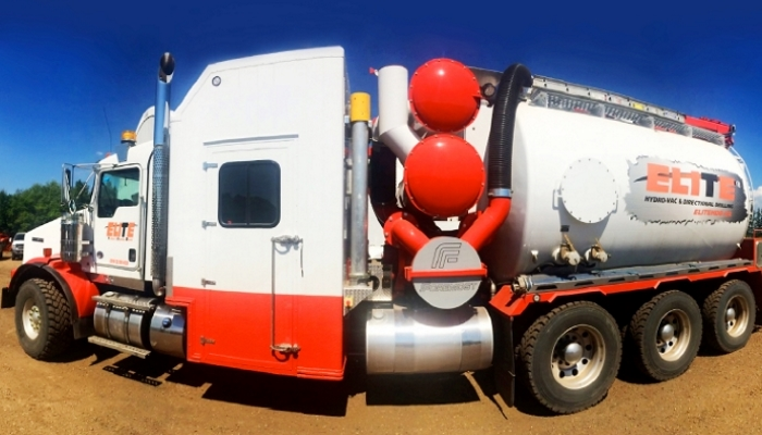 Elite Vacuum truck with roots blower